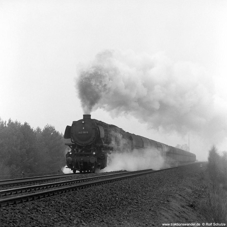 http://www.traktionswandel.de/pics/1976-11-19--07.jpg