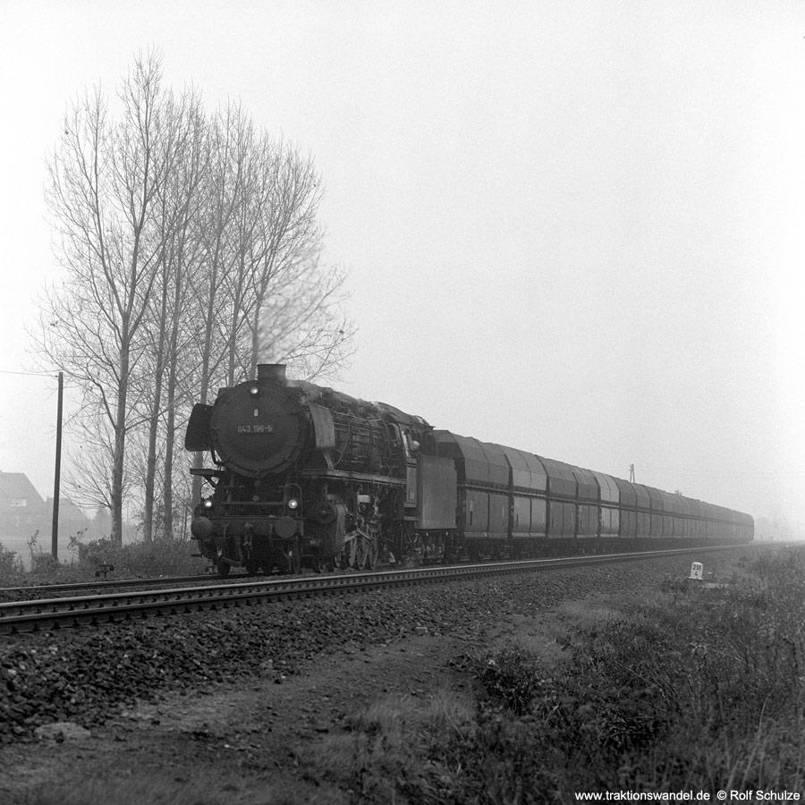 http://www.traktionswandel.de/pics/1976-11-19--08.jpg