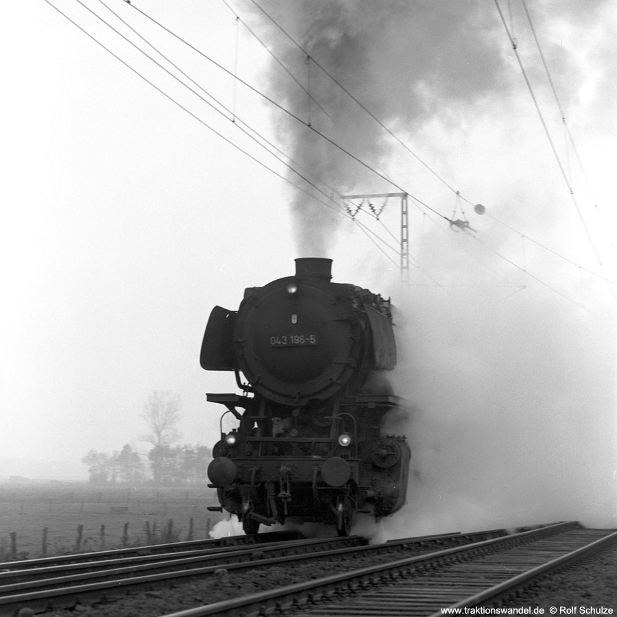http://www.traktionswandel.de/pics/1976-11-19--10.jpg