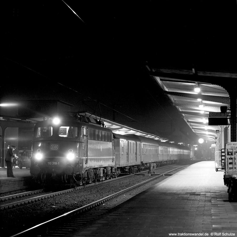 http://www.traktionswandel.de/pics/1976-11-20--27.jpg