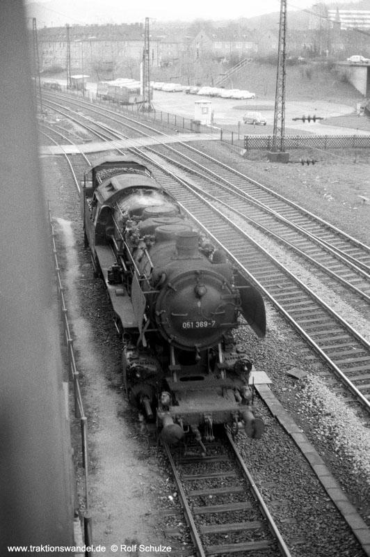 http://www.traktionswandel.de/pics/affb/1974-03-16_A214-24_051369-7_Aschaffenbg_FahrtinsBw_800h.jpg