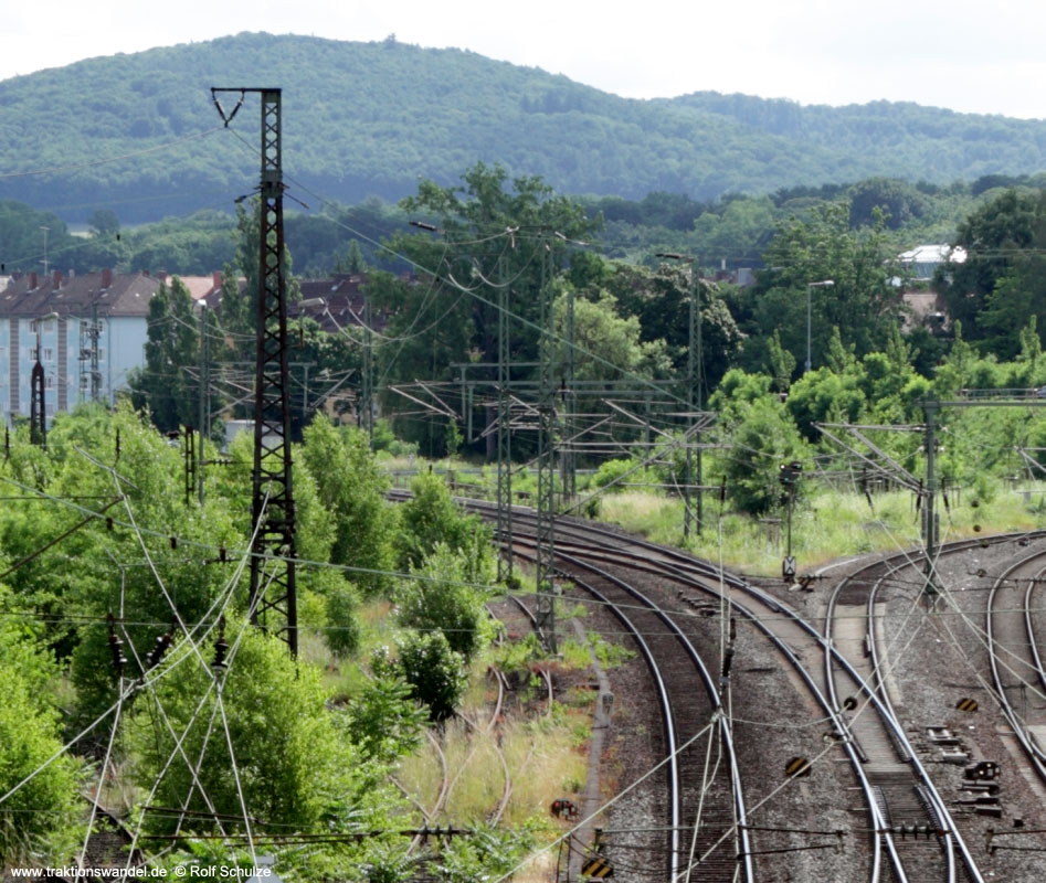 http://www.traktionswandel.de/pics/affb/2013-06-22_032_Aschaffenbg_Blick-GlattbcherUeberf_800h.jpg