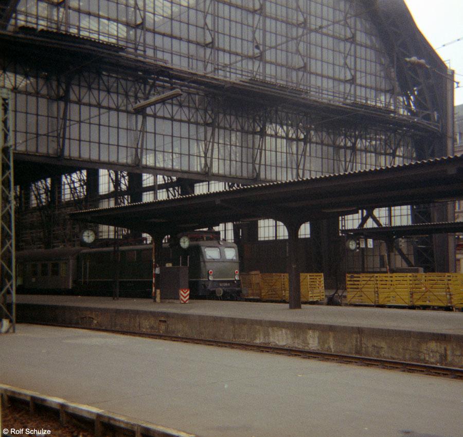 http://www.traktionswandel.de/pics/foren/hifo/1968/1968-08-27_B05-10_Frankfurt-M-Hbf_900.jpg
