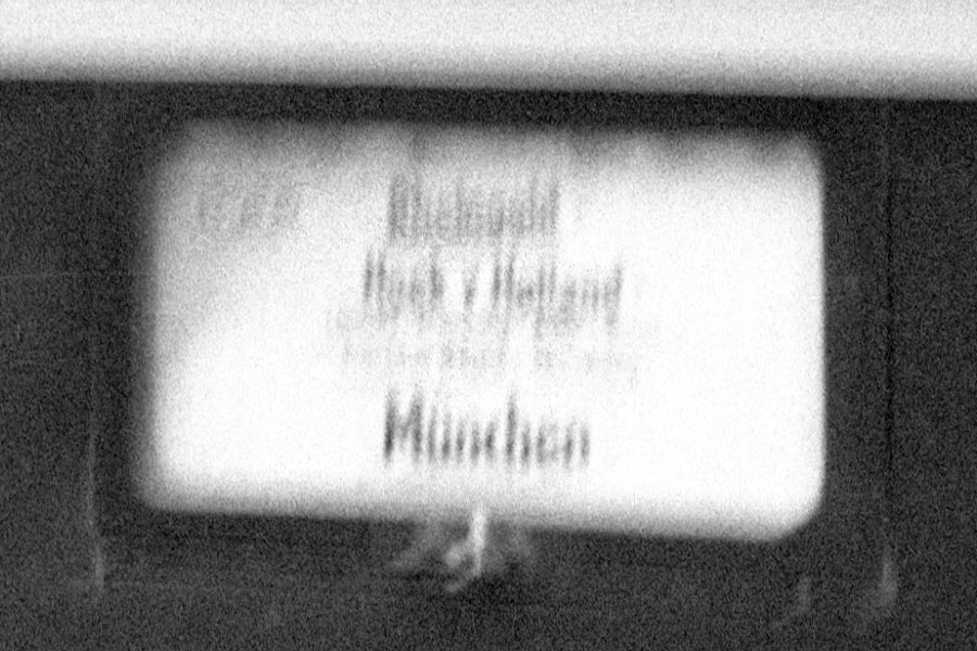 http://www.traktionswandel.de/pics/foren/hifo/1968/1968_A12-40_Rheingold-Zuglufschild.jpg