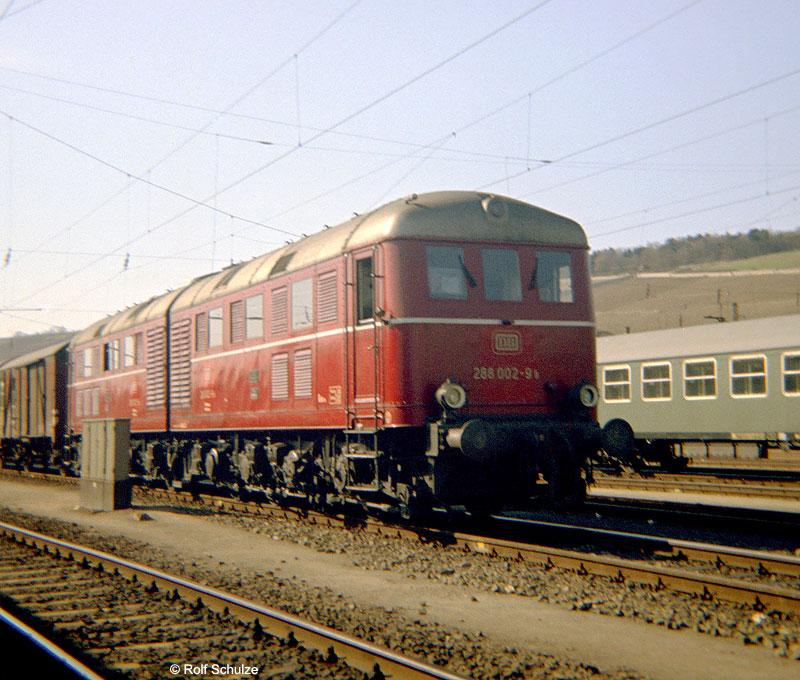 http://www.traktionswandel.de/pics/foren/hifo/1969/1969-04-03_B02-15_288002-9_BwBamberg_Gz_Wuerzburg.jpg