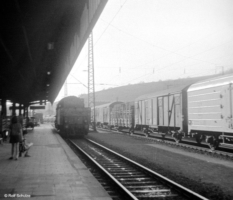 http://www.traktionswandel.de/pics/foren/hifo/1969/1969-04-10_A02-01_50_WuerzburgHbf_800.jpg