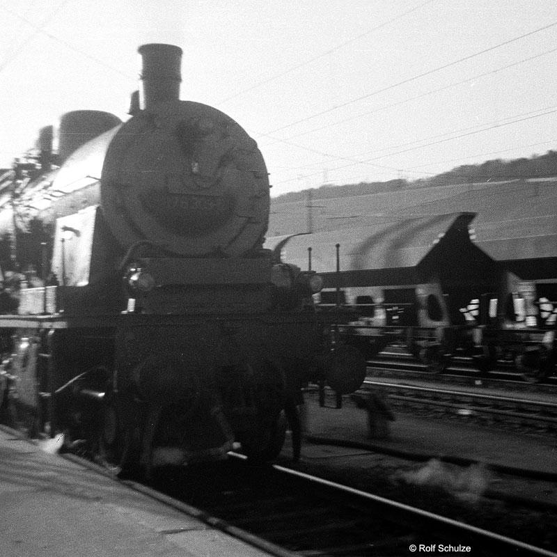 http://www.traktionswandel.de/pics/foren/hifo/1969/1969-04-10_A02-12_078303-5_BwSchweinfurt_P_WuerzburgHbf-Ausf_800.jpg