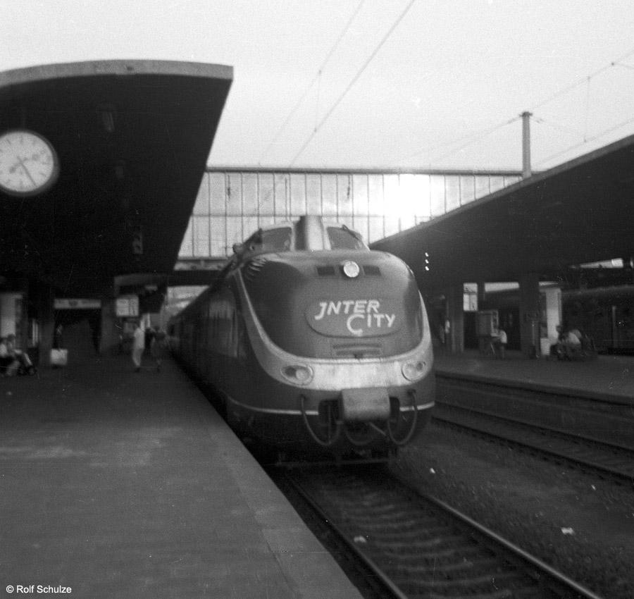 http://www.traktionswandel.de/pics/foren/hifo/1969/1969-08-07_A23-12_601_HeidelbergHbf_900.jpg