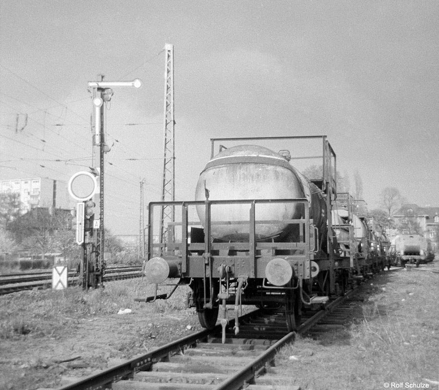 http://www.traktionswandel.de/pics/foren/hifo/1969/1969-08_A20-11_Kesselwagen_Fechenheim_900.jpg