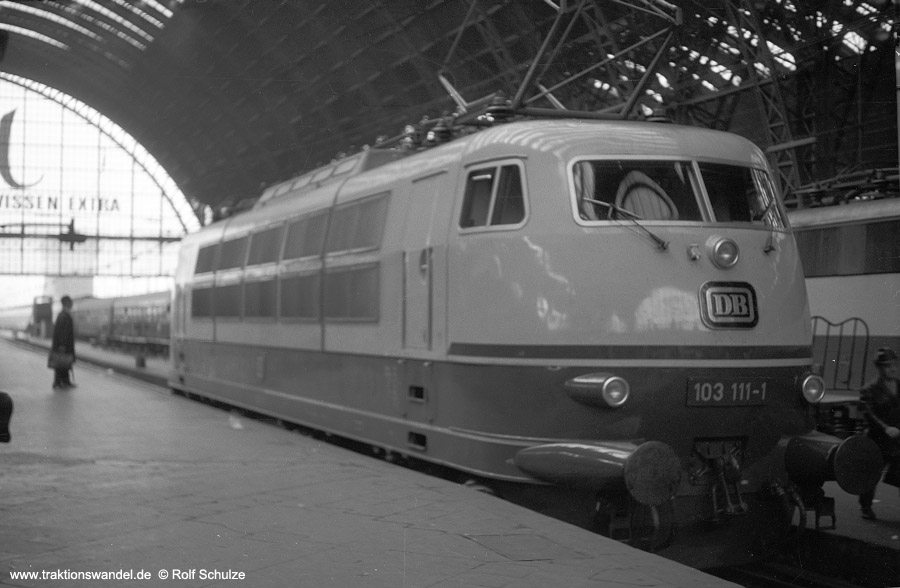 http://www.traktionswandel.de/pics/foren/hifo/1970-10-30_A35-16_103111-1_BwFfm-1_Ffm-Hbf.jpg