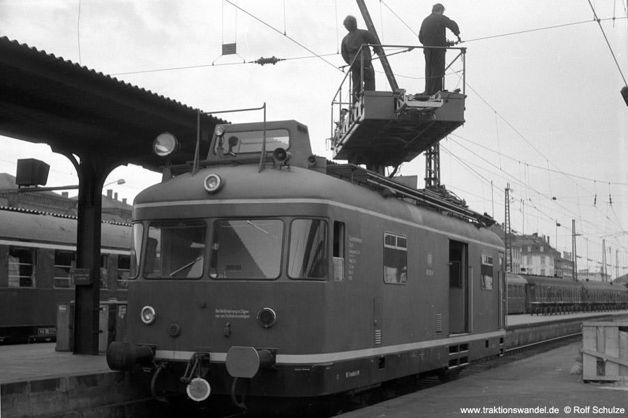 http://www.traktionswandel.de/pics/foren/hifo/1970-10-30_A35-18_701102-6_BwFfm-1_Ffm-Hbf.jpg
