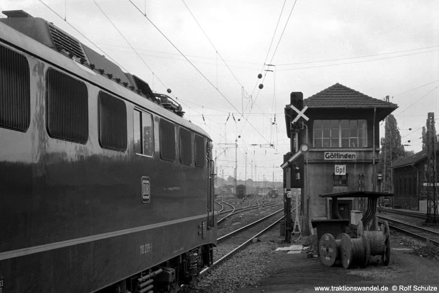 http://www.traktionswandel.de/pics/foren/hifo/1971-06-12_A46-12A_110239-1_ausf-goettingen_900.jpg