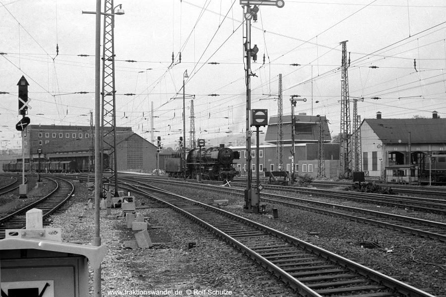 http://www.traktionswandel.de/pics/foren/hifo/1971-06-12_A46-14A_044571-8_Bwottb_Goettingen_900.jpg