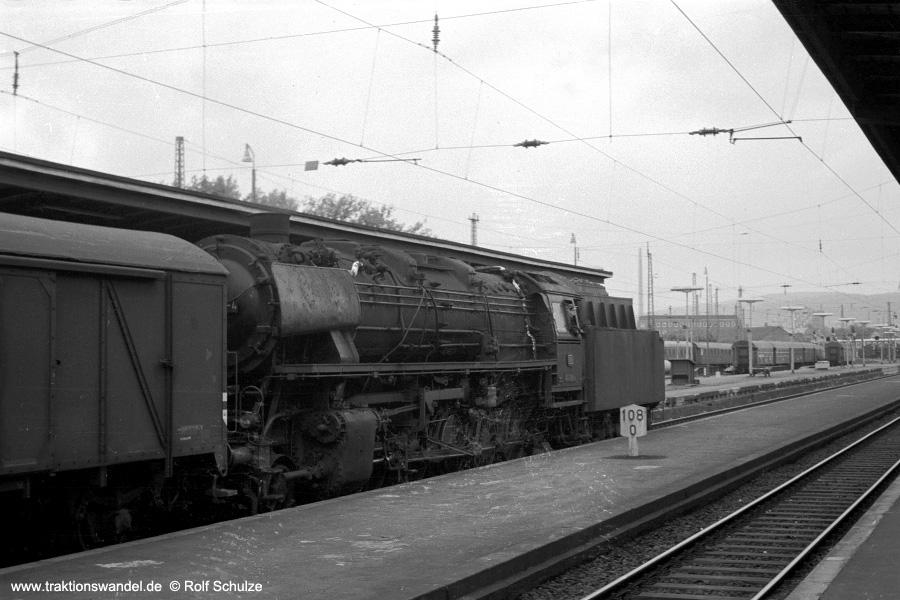http://www.traktionswandel.de/pics/foren/hifo/1971-06-12_A46-19A_044200-4_Bwottb_Ng_Goettingen_900.jpg
