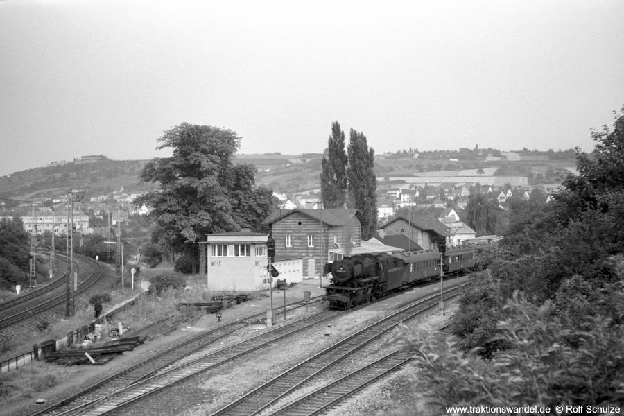 http://www.traktionswandel.de/pics/foren/hifo/1971-07-21_A50-00-54_023042-5_BwCrail_N3882_Wuerzbg-Hf-West.jpg