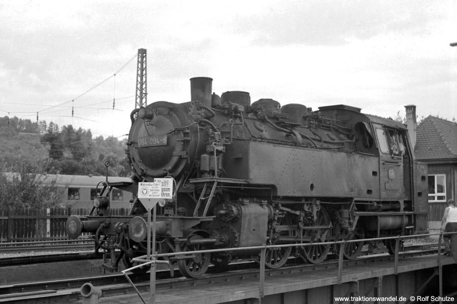 http://www.traktionswandel.de/pics/foren/hifo/1971-08-07_A53-20_064094-6_BwTuebingen_dort.jpg