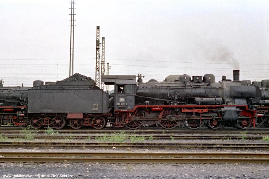 http://www.traktionswandel.de/pics/foren/hifo/1971-08-07_B22-04_038772-0_BwTuebingen_dort.jpg