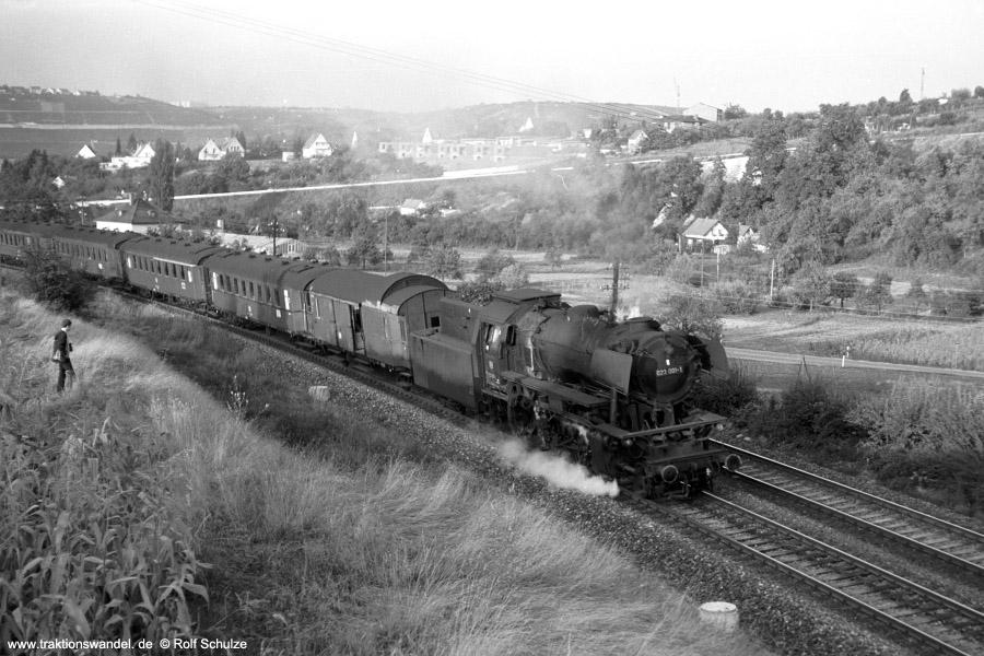 http://www.traktionswandel.de/pics/foren/hifo/1971-09-17_A58-31_023001-1_BwCrailsheim_N3899_ReichenbergerGrund_900.jpg