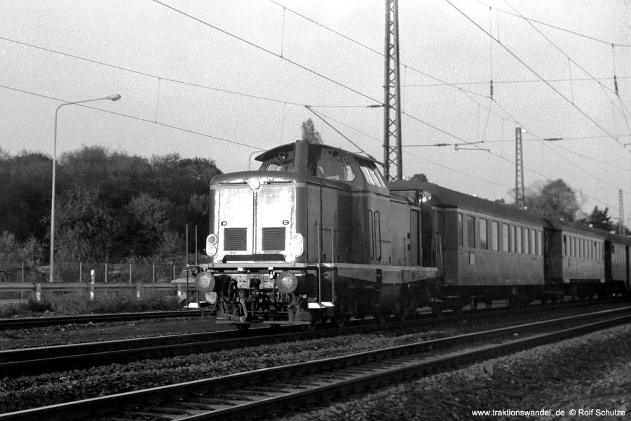 http://www.traktionswandel.de/pics/foren/hifo/1971-10-05_C01-10_212374-3_BwHanau_N_Frankfurt-Mainkur_900.jpg