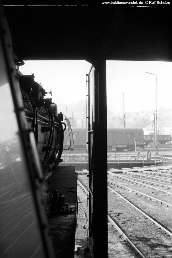 http://www.traktionswandel.de/pics/foren/hifo/1971-10-28_A65-06_044596_BwBetzdorf_imBwDillenburg_Schuppen_600.jpg