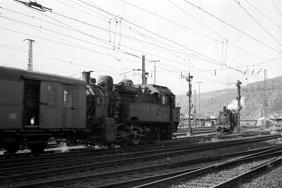 http://www.traktionswandel.de/pics/foren/hifo/1971-10-28_A65-08_094652_N_094538-6_BfDillenburg_900.jpg
