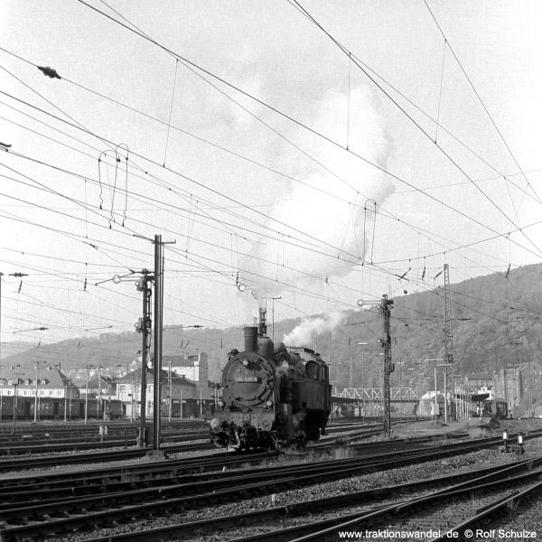 http://www.traktionswandel.de/pics/foren/hifo/1971-10-28_A65-09_094538-6_Dillenburg_600.jpg