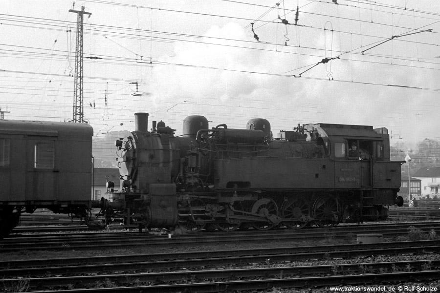 http://www.traktionswandel.de/pics/foren/hifo/1971-10-28_A65-11_094652-5_rangierend_Dillenburg_900.jpg