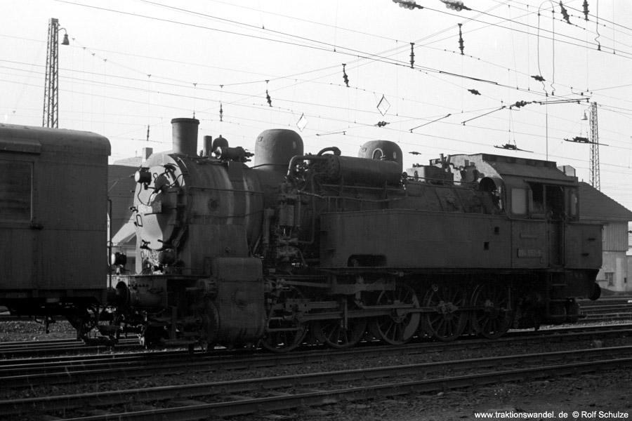 http://www.traktionswandel.de/pics/foren/hifo/1971-10-28_A65-12_094652-5_rangierend_Dillenburg_900.jpg