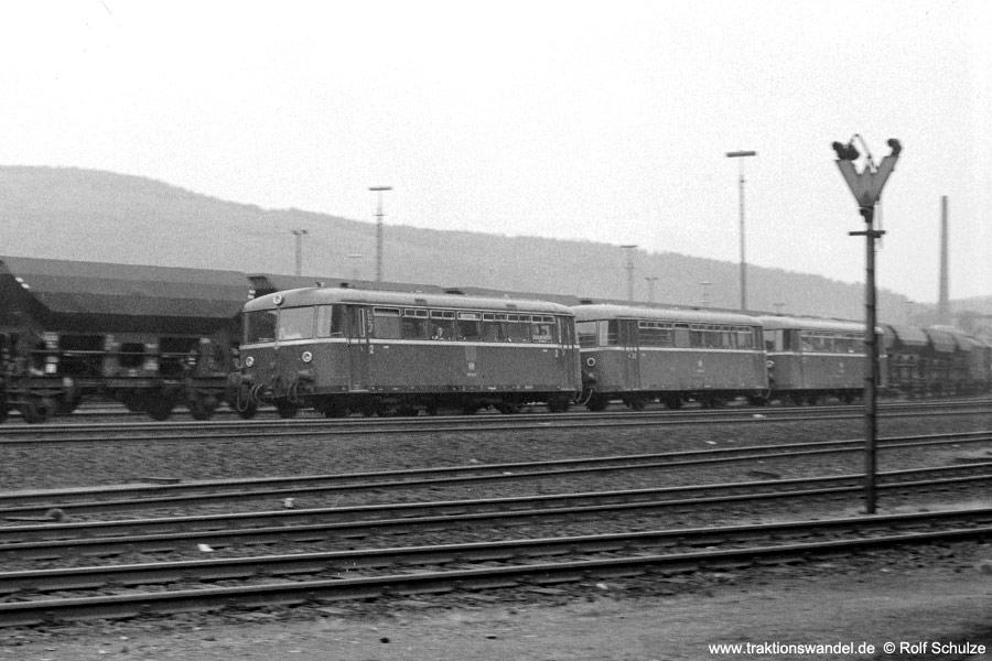 http://www.traktionswandel.de/pics/foren/hifo/19710531_A4421_798_betzdorf.jpg