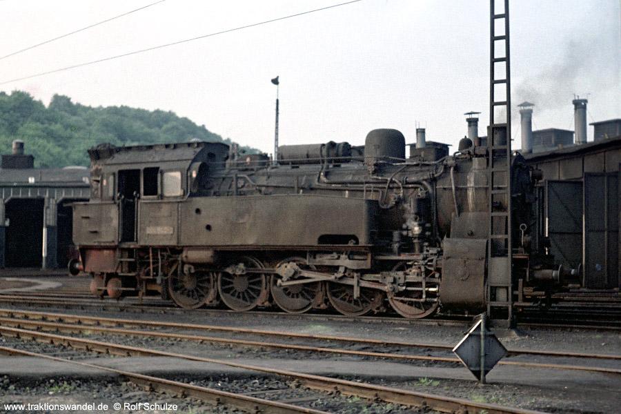 http://www.traktionswandel.de/pics/foren/hifo/19710531_B2039_094540_dillenburg.jpg