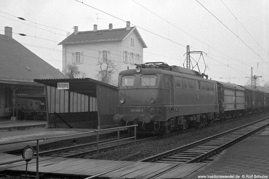 http://www.traktionswandel.de/pics/foren/hifo/1972-01-09_A67-19_140058-9_BwMz-Bischofshm_Dg_FFM-Mainkur_900.jpg