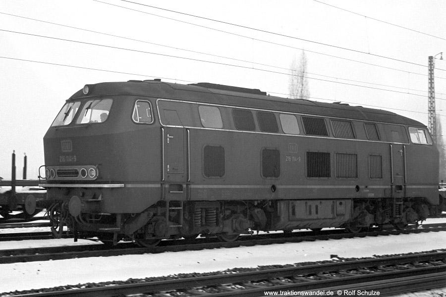 http://www.traktionswandel.de/pics/foren/hifo/1972-01-26_A69-05_216114-9_BwGiessen_Lz_FFM-Mainkur_900.jpg