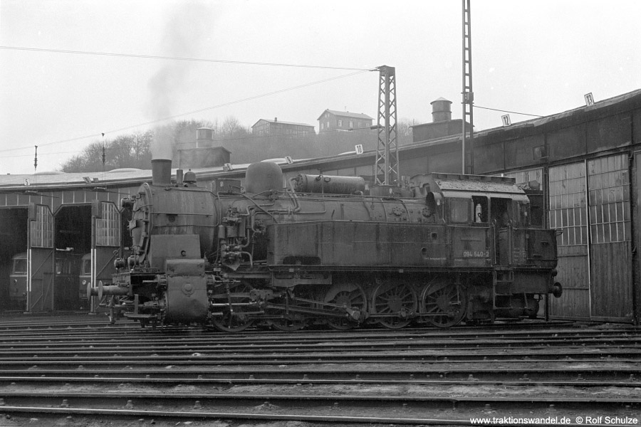 http://www.traktionswandel.de/pics/foren/hifo/1972-03-04_A71-18_094540-2_BwDillenburg_dort.jpg