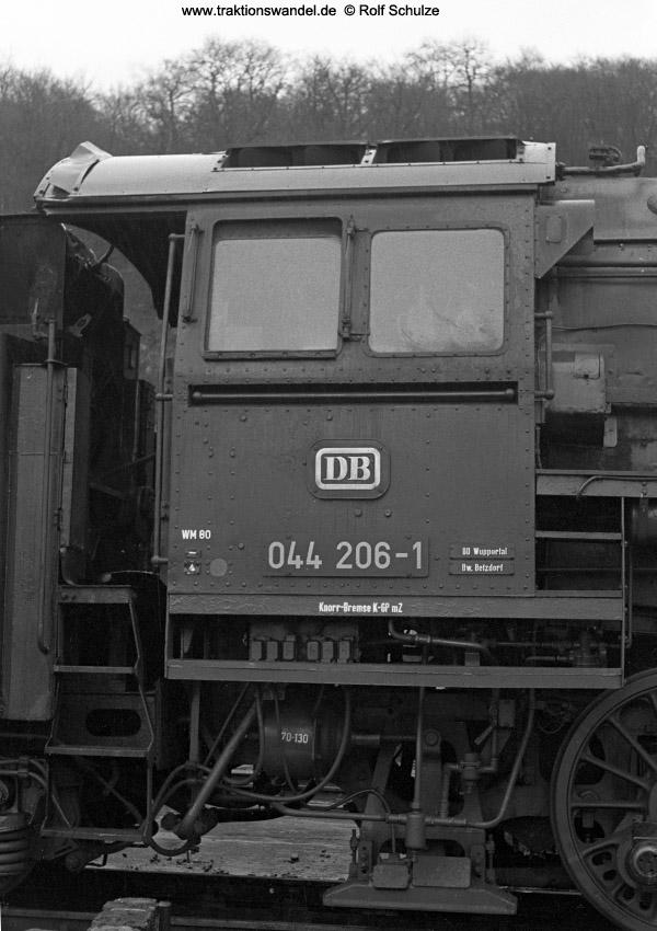 http://www.traktionswandel.de/pics/foren/hifo/1972-03-04_A71-21_044206-1_BwBetzdf_imBwDillenburg-Fhs.jpg