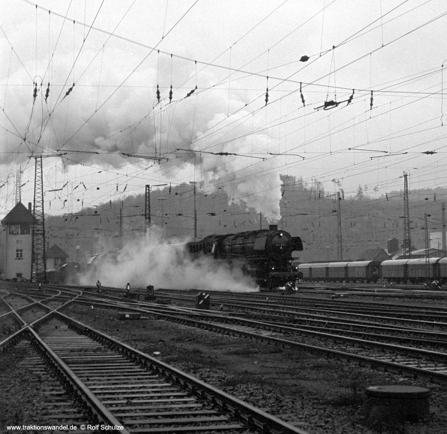 http://www.traktionswandel.de/pics/foren/hifo/1972-03-04_A72-03_044206-1_BwBetzdf_Ausf-Dillenburg.jpg