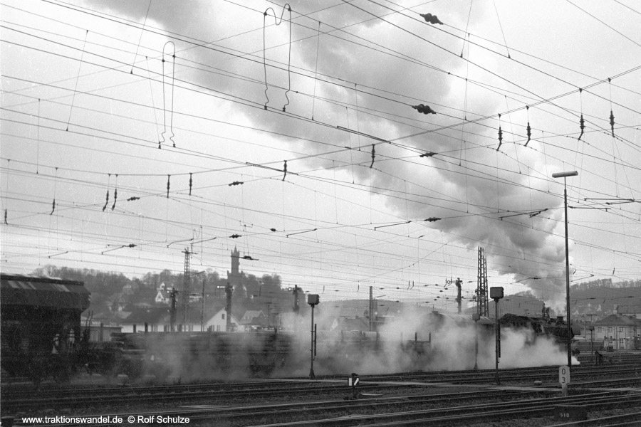http://www.traktionswandel.de/pics/foren/hifo/1972-03-04_A72-13_044206-1_BwBetzdf_Ausf-Dillenburg.jpg