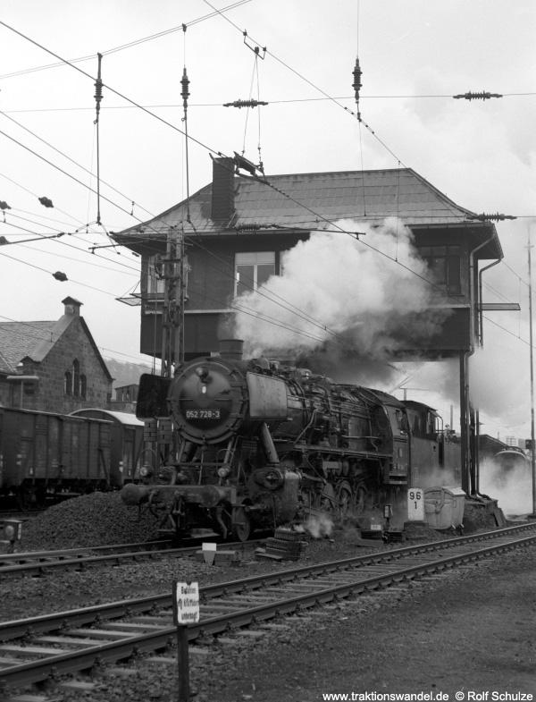 http://www.traktionswandel.de/pics/foren/hifo/1972-04-01_A80-23_052728-3_BwBetzdorf_Kreuztal.jpg