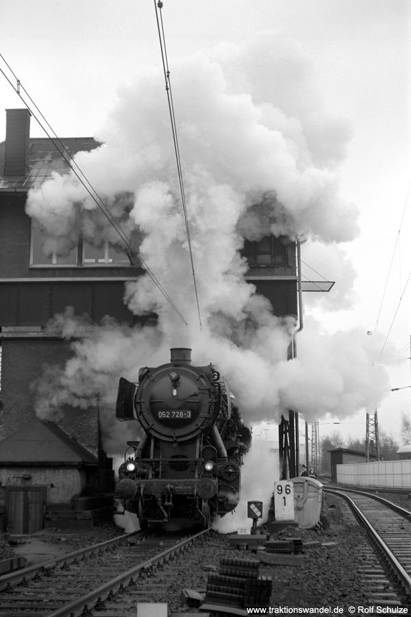 http://www.traktionswandel.de/pics/foren/hifo/1972-04-01_A80-27_052728-3_BwBetzdorf_Sdz_Kreuztal.jpg