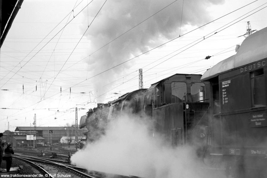 http://www.traktionswandel.de/pics/foren/hifo/1972-04-01_A80-29_052728-3_BwBetzdorf_Sdz_Kreuztal.jpg