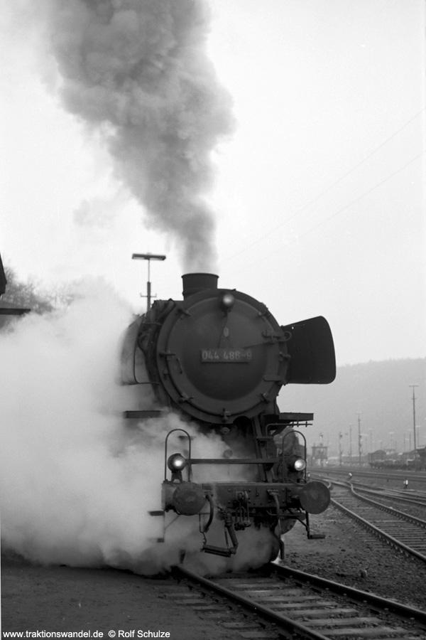 http://www.traktionswandel.de/pics/foren/hifo/1972-04-01_A80-61_044486-9_BwBetzdorf_dort.jpg