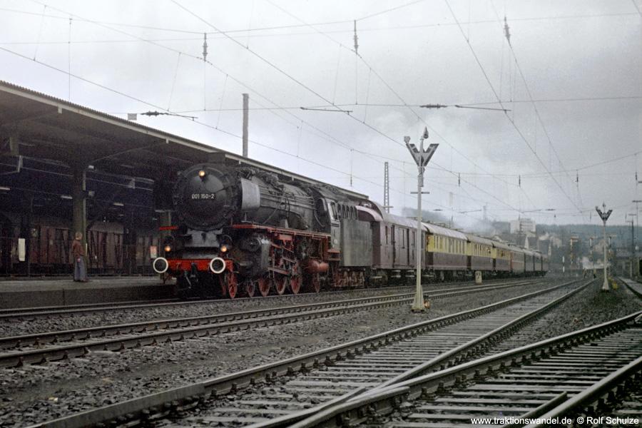 http://www.traktionswandel.de/pics/foren/hifo/1972-04-01_D04-16_001150_Sdz_Kreuztal.jpg