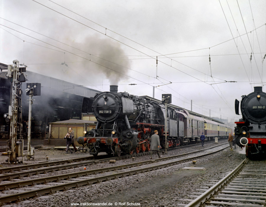 http://www.traktionswandel.de/pics/foren/hifo/1972-04-01_D04-17_052728_Sdz_Kreuztal.jpg