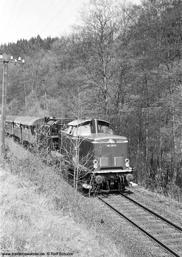 http://www.traktionswandel.de/pics/foren/hifo/1972-04-30_A85-10_213337-9_094540-2_Sdz_wo.jpg