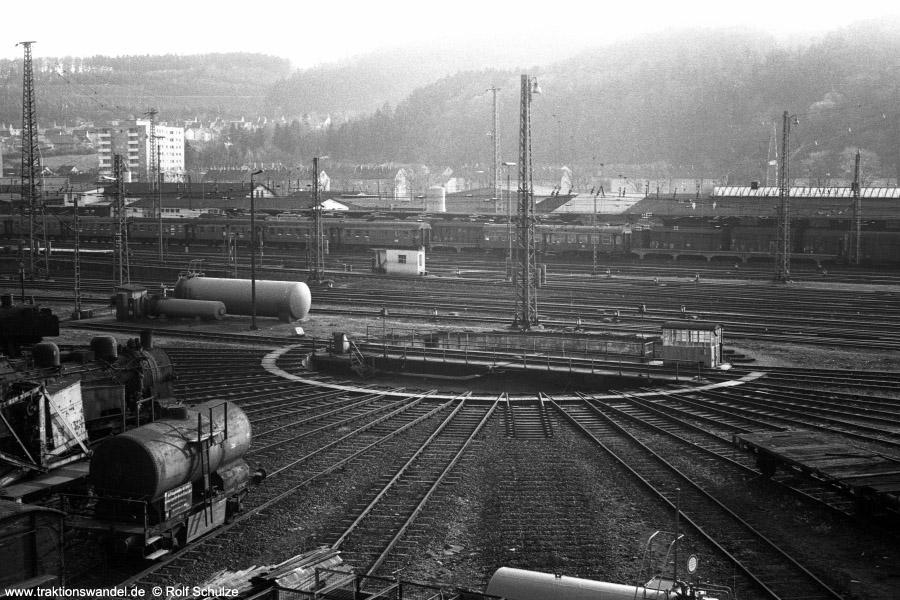 http://www.traktionswandel.de/pics/foren/hifo/1972-04-30_A86-05_Blick-Bw-Dillenburg.jpg