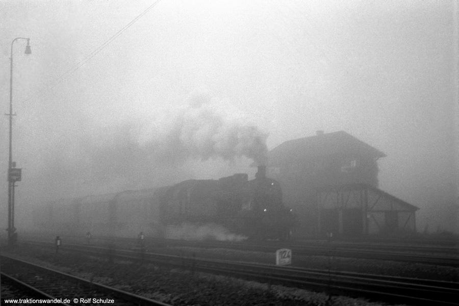 http://www.traktionswandel.de/pics/foren/hifo/1972-09-23_A107-15_078192-2_BwRottweil_N3931_Bf-Rottweil-Ausfahrt_900.jpg