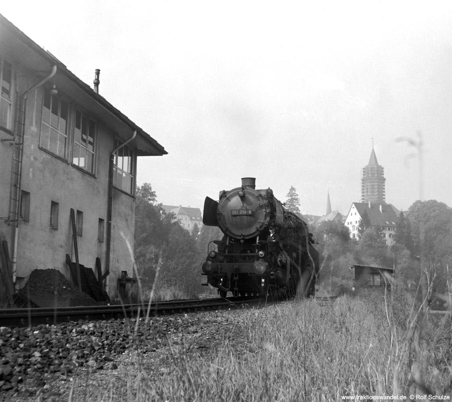 http://www.traktionswandel.de/pics/foren/hifo/1972-09-23_C12-11_051019-8_BwROTTW_inRottweil-rangierend_900.jpg