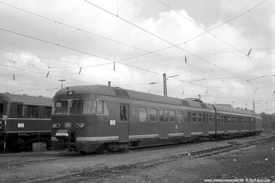 http://www.traktionswandel.de/pics/foren/hifo/1972-09-24_A110-05_427403-1_BwEsslingen_BwTuebingen_900.jpg