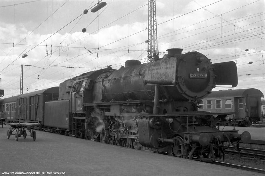 http://www.traktionswandel.de/pics/foren/hifo/1972-09-24_A110-11_023027-6_BwCrailsheim_E1976_Heilbronn_900.jpg