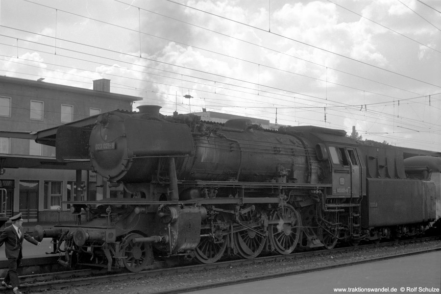 http://www.traktionswandel.de/pics/foren/hifo/1972-09-24_A110-13_023021-9_BwCrailsheim_N3814_Heilbronn_900.jpg