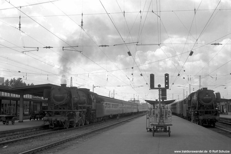 http://www.traktionswandel.de/pics/foren/hifo/1972-09-24_A110-17_023021_023027_BwCrailsheim_Heilbronn_900.jpg